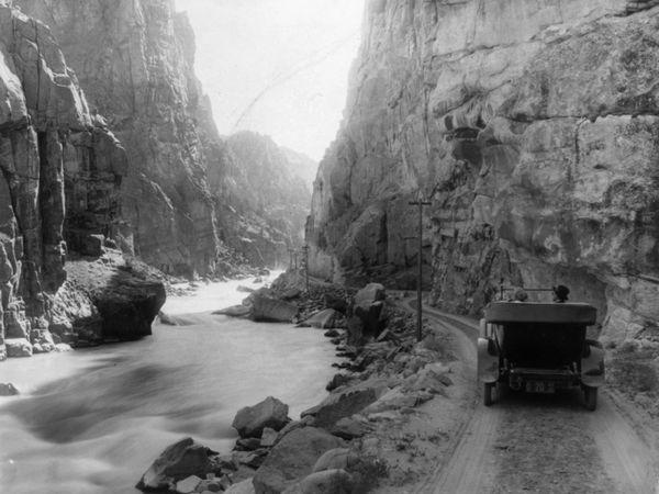 yellowstone-canyon_20297_600x450